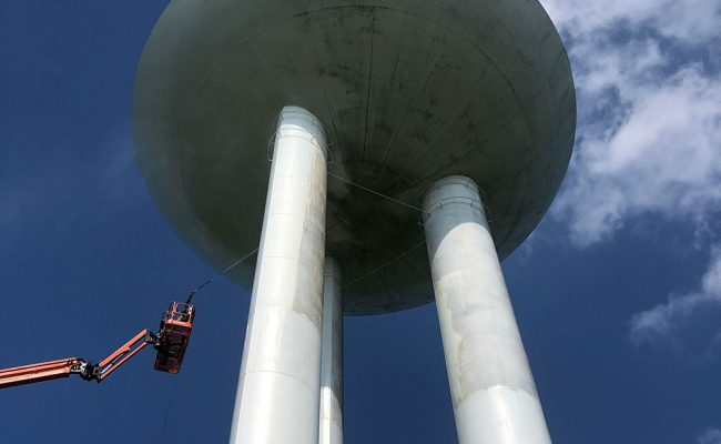 In the procress of cleaning a water tower